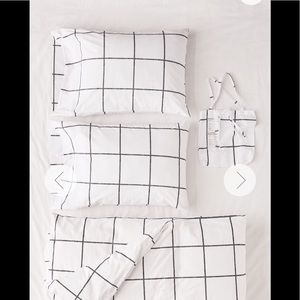 Urban Outfitters Bedding - Urban outfitters Distressed Check Duvet Set Twin
